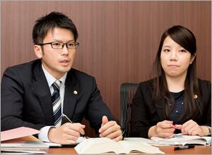 弁護士向井・弁護士神田